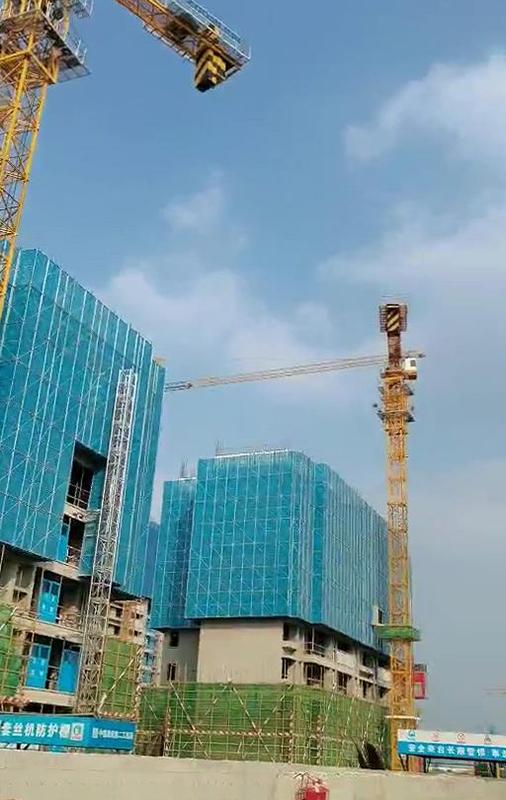 建筑智能爬架要设置的保护措施