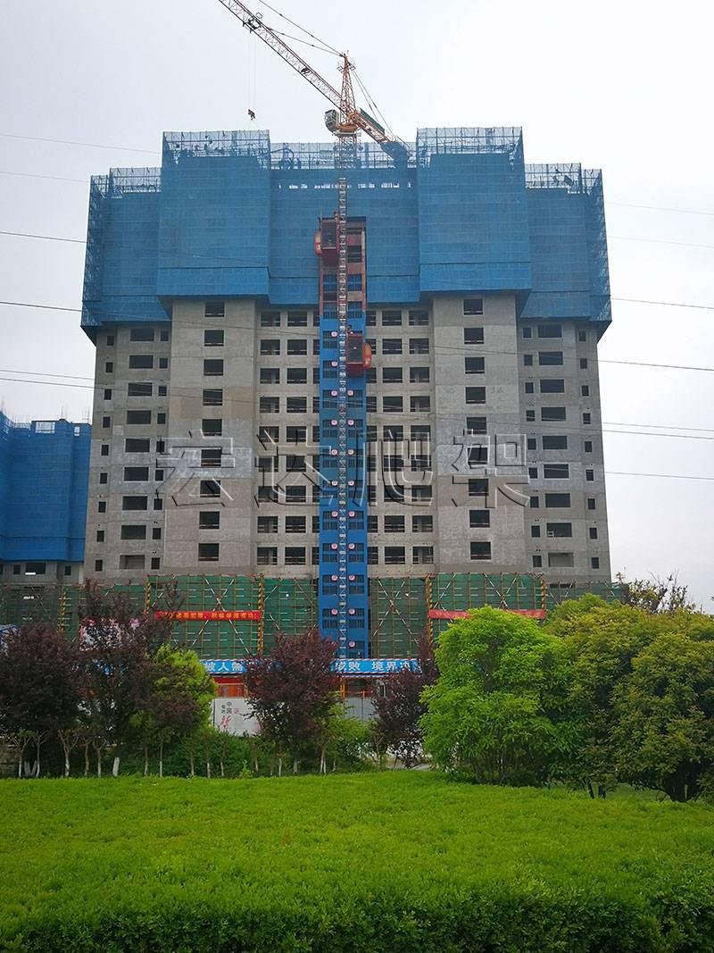施工现场如何更快更好的组装建筑爬架防护网