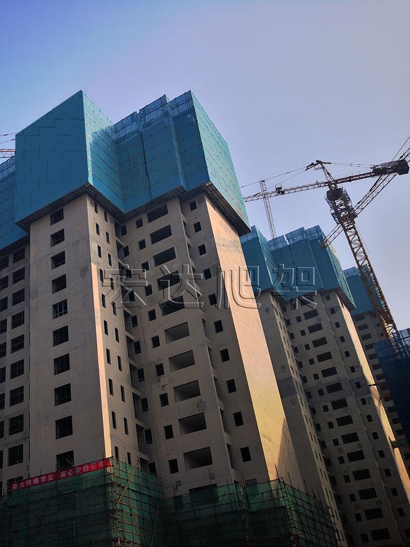 现代建筑工程需要建筑智能爬架来减轻劳动强度