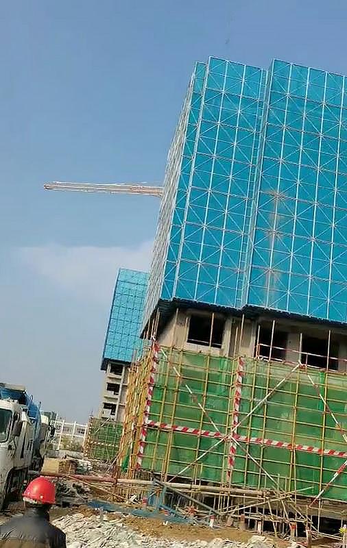 楼房建筑爬架网为什么采用米字型