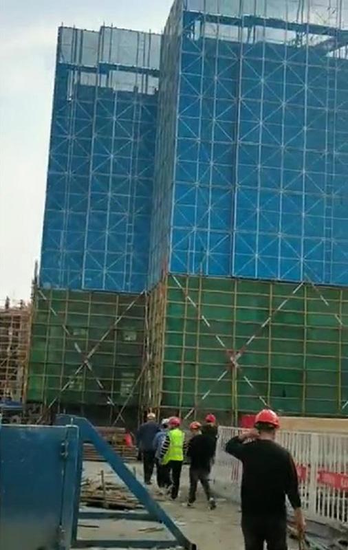 浅谈建筑爬架的安装与拆除工作