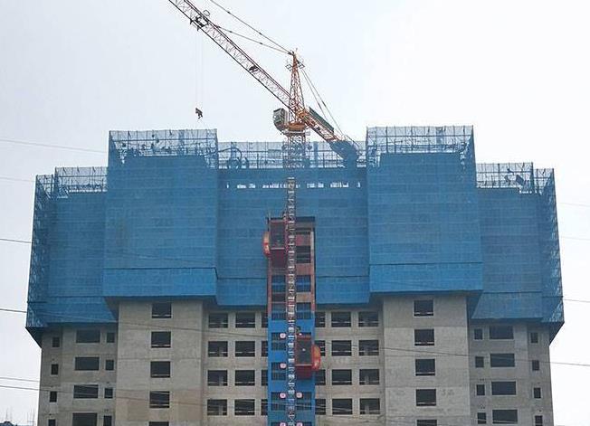 防护建筑爬架网的应用操作